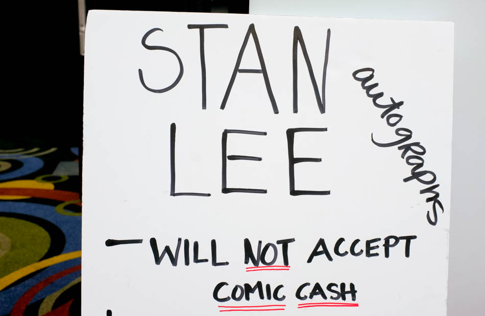 A sign with information on Stan Lee's autograph process at Salt Lake Comic Con