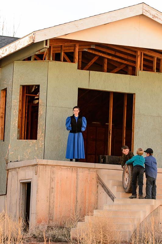 A girl, three boys, a tire, a vacant house, Hildale